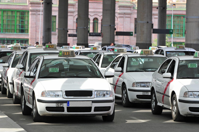 Русское такси в Мадриде: как вызвать, тарифы, приложения