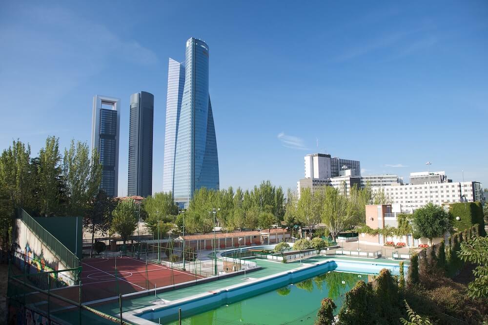 Лучшие бассейны Мадрида